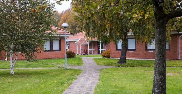 Byggnader på Munkagårdsgymnasiet som är internatboende.