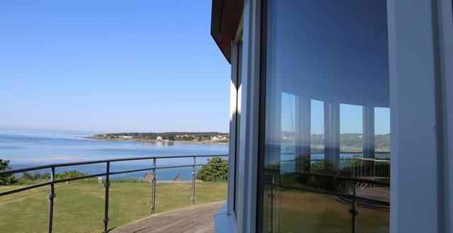 Vy över havet från balkongen vid A-salen på Löftadalens folkhögskola.