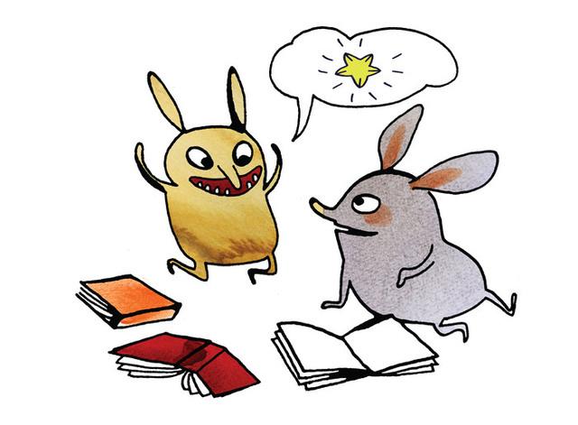 Två små figurer med stora öron bläddrar i böcker men tittar på varandra. Den ena figuren har en pratbubbla med en stjärna i.